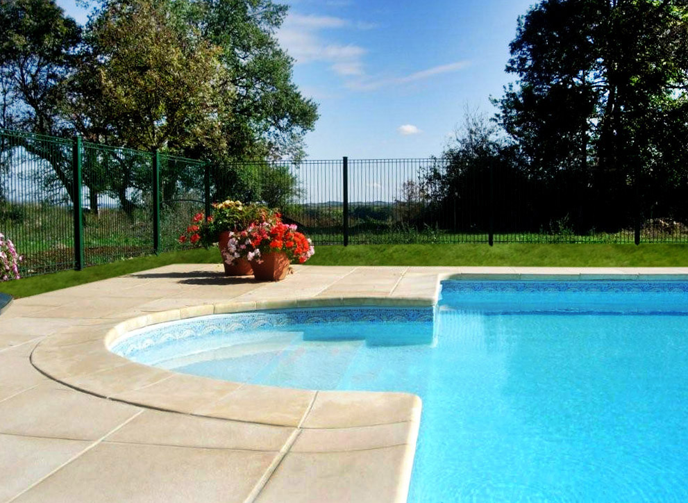 Twelve metre swimming pool at barrusclet farmhouse gite for Roman style pool design